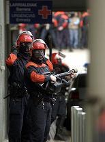 Basque police await De Juana's arrival