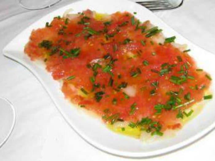 Carpaccio de Bacalao con Tomate