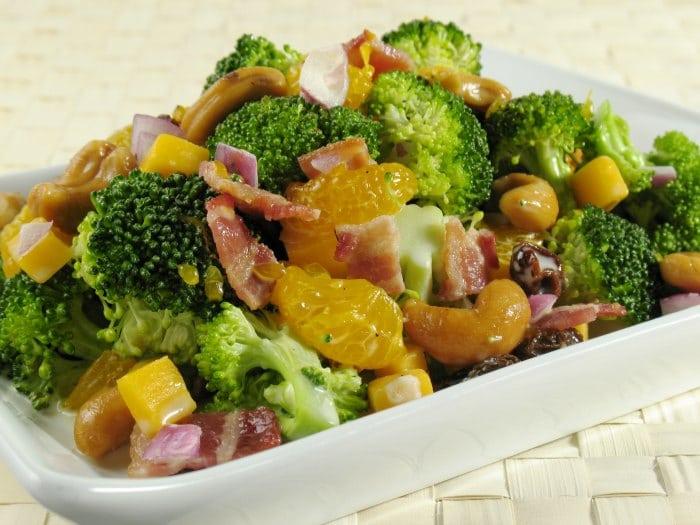 Ensalada de brócoli a la vinagreta de Curry