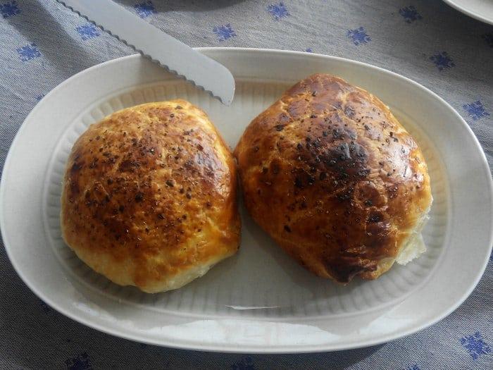 Paquetes de hojaldre rellenos con queso