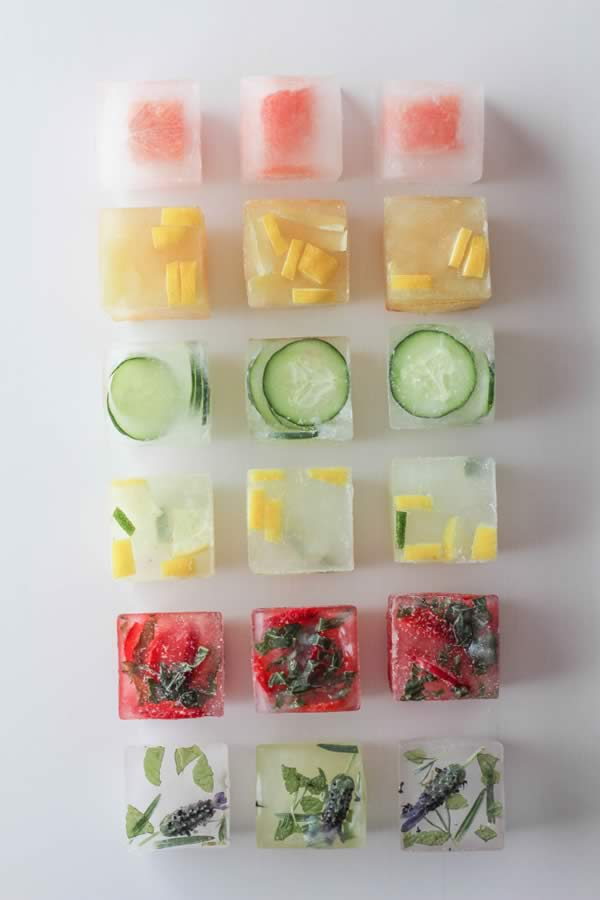 Usos bandeja de hielos: cubitos con fruta