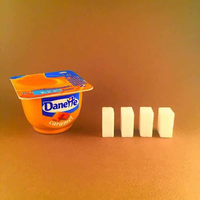 Azúcar que contiene una natilla de caramelo