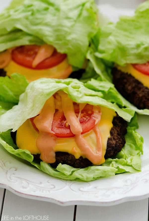 Wraps de lechuga: hamburguesa con queso