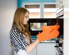 Alimentos que no debes calentar en el microondas