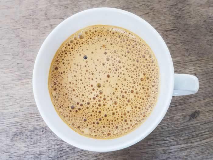 Hacer espuma para el café con el microondas