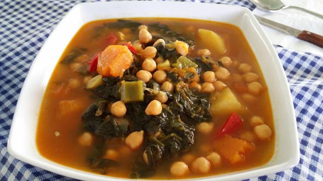 Garbanzos con espinacas y calabaza: receta vegetariana