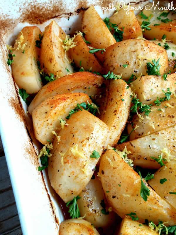 Patatas al horno con ajo y perejil