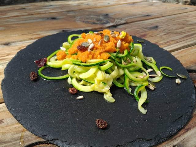 Tallarines de calabacín: receta vegana