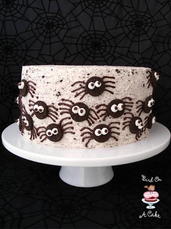 Tarta de Halloween con arañas