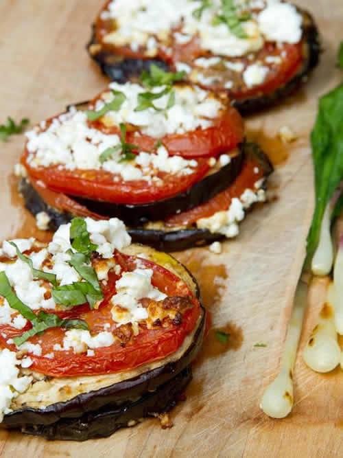 Recetas de verduras para Navidad: berenjena y tomate plancha