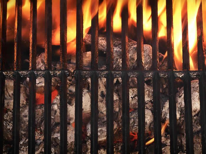 Cómo hacer un asado argentino: preparación del fuego