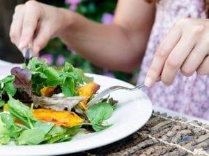 7 ensaladas riquísimas y fáciles que, además, te ayudarán a adelgaza