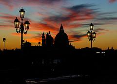romántica puesta sol en Venecia