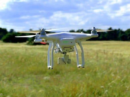 drone-1624903__340