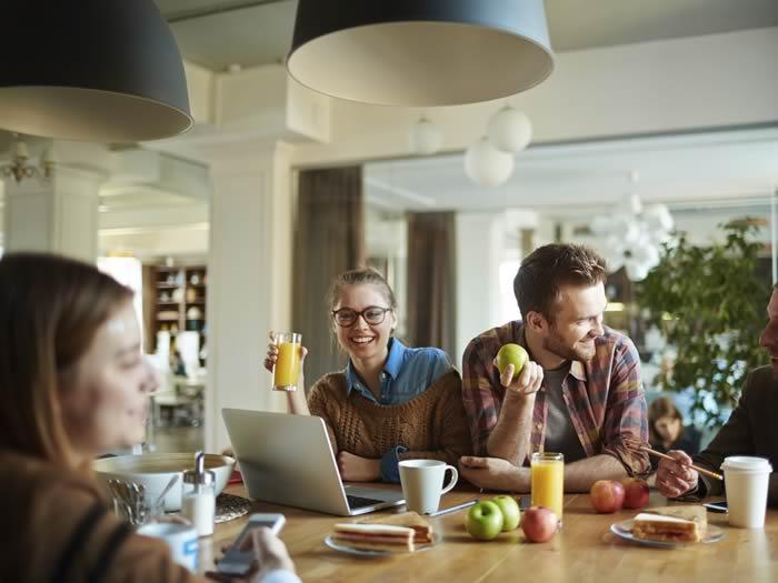 Consejos estrés: desconectar en las comidas
