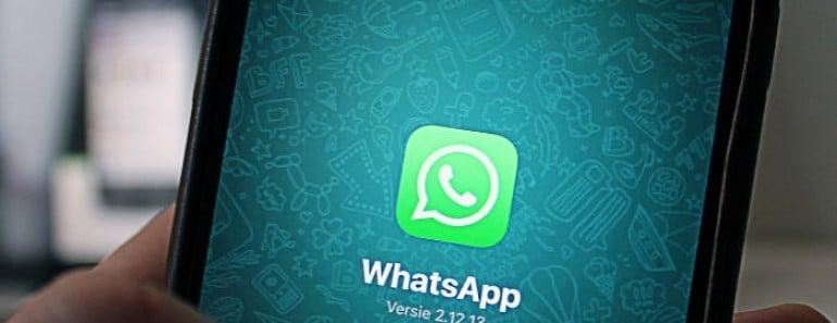 Incluir a personas en grupos de WhatsApp sin su consentimiento es ilegal