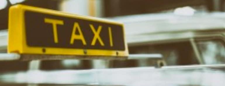 UBER y CABIFY: restricciones a las plataformas privadas de arrendamiento de vehículos con conductor