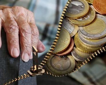 Cobrar las pensiones de una persona fallecida te puede salir caro