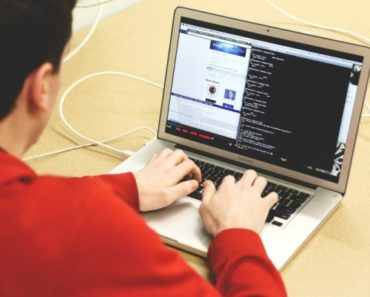 21 meses de prisión a dos estudiantes universitarios por hackear sus notas