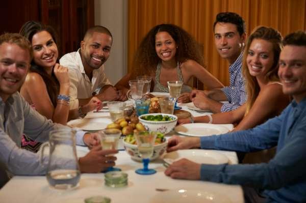 Ideas para festejar el d a del amigo actualidad famosos - Ideas cena amigos ...