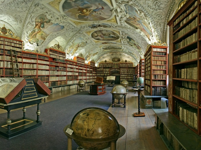 biblioteca-antigua