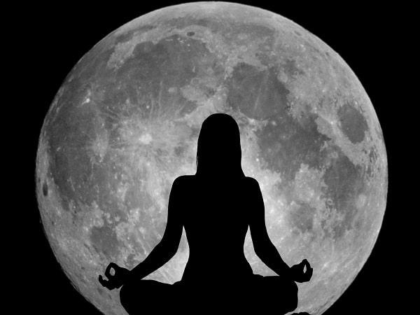 Resultado de imagen de meditación luna llena
