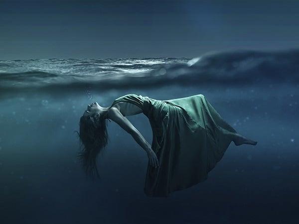 mujer, agua, sensualidad
