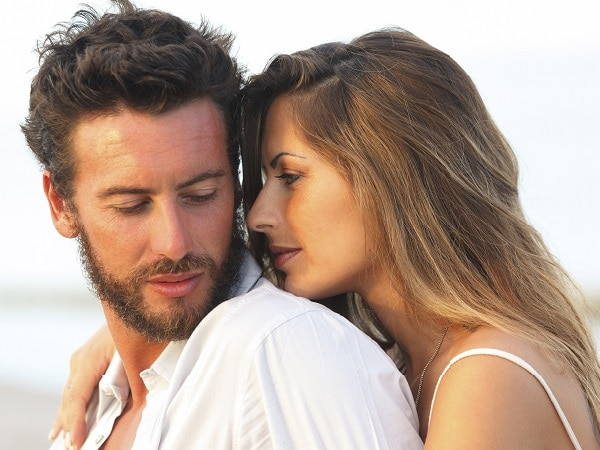 amor-pareja-playa