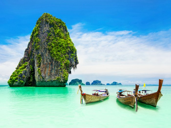 Beaty limestone rock in Phuket, Tailandia