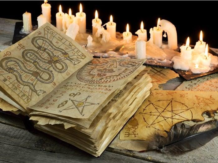 Libro de brujeria, conjuros, rituales