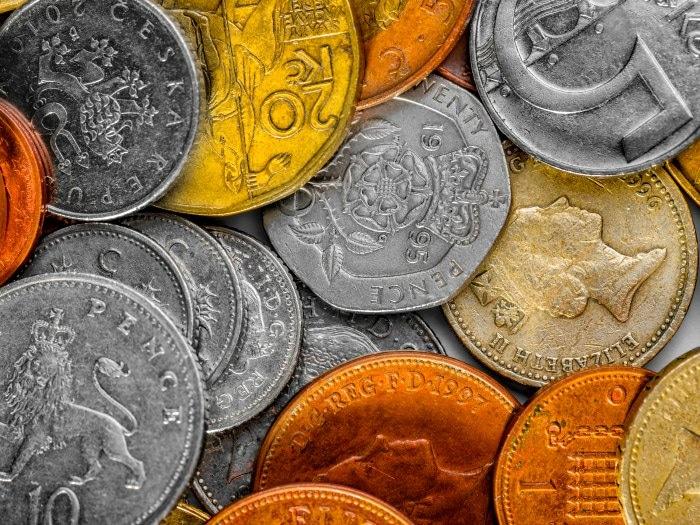 Ritual de encontrar trabajo con Monedas