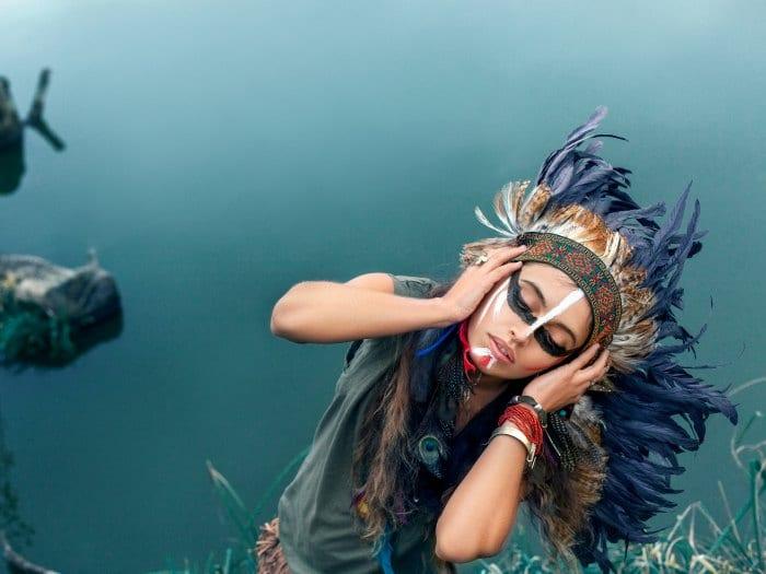 Acuario disfrazada de apache