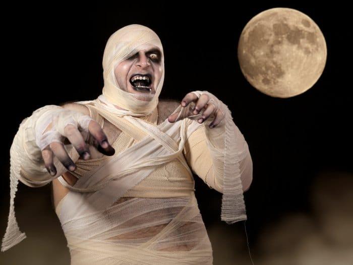 Tauro disfrazado de momia