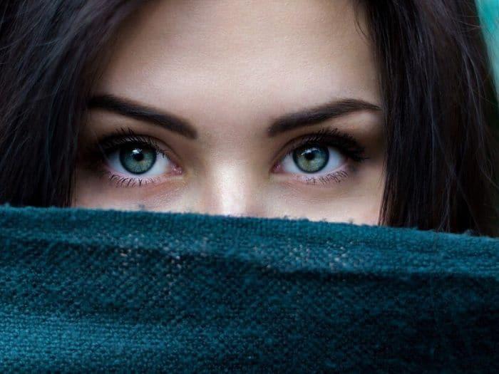 ¿Qué parte de tu cara te delata según tu Signo?