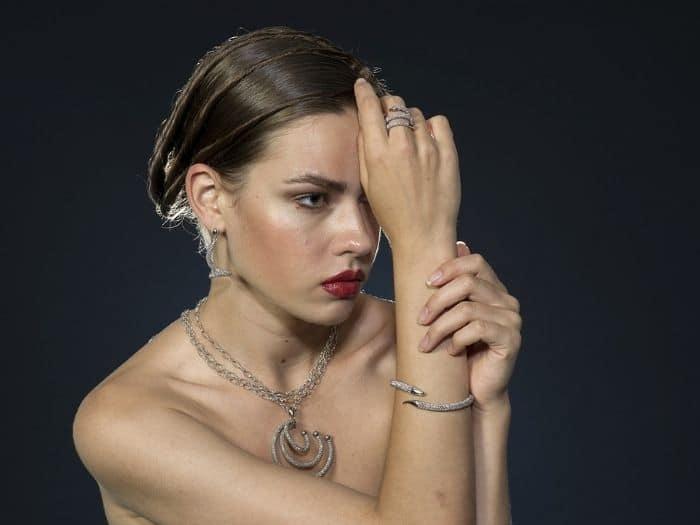 ¿Qué joya favorece más a una mujer según su Signo?