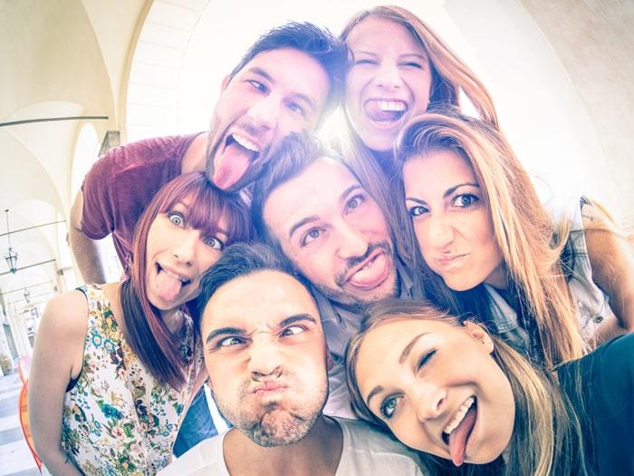 Refranes sobre los amigos y las amistades