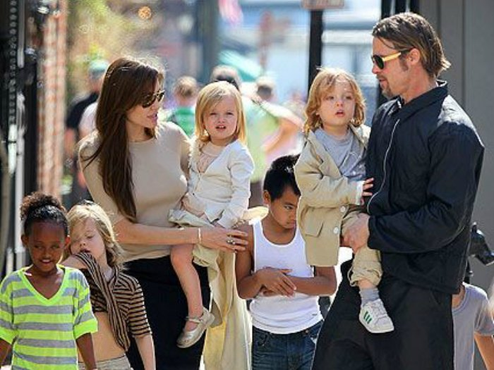 Familia Pitt Jolie al completo