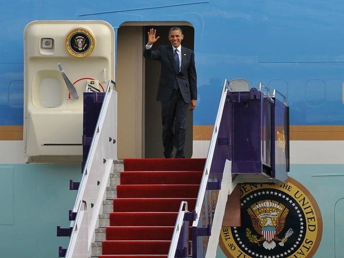 Obama saludando