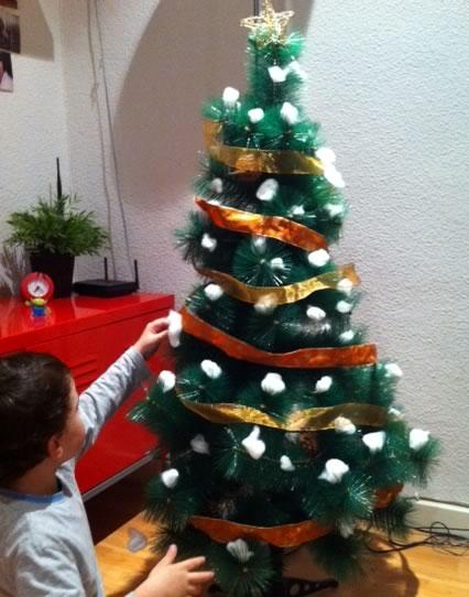 decoración casera árbol de Navidad
