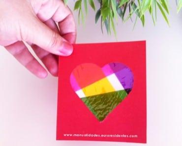 Tarjeta con corazón de colores