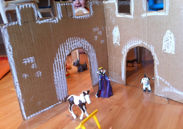 Castillo de cartón para niños