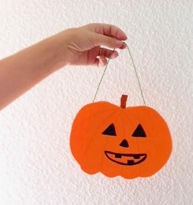 Manualidades de Halloween: Cesta con forma de calabaza
