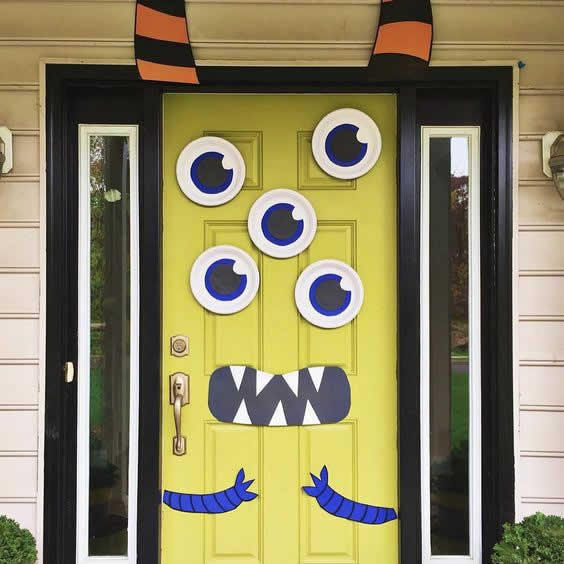 Idea decorar puerta en Halloween