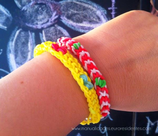 Cómo hacer pulseras gomitas: pulsera ligas con nudo invertido y bolitas amarillo y rojo