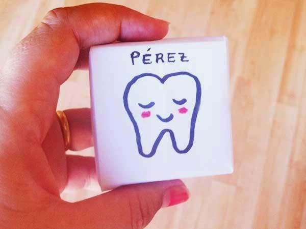 Cajita guarda dientes. Manualidad Ratoncito Pérez