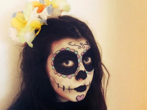 maquillaje fácil para halloween de calavera del día de difutnos