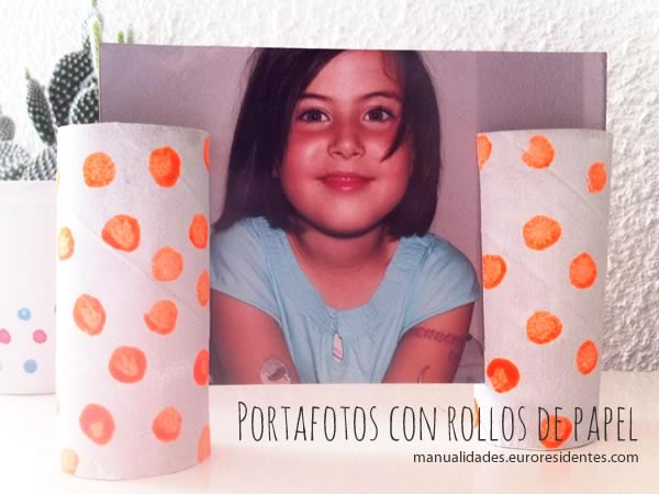 marco de fotos casero con rollos de papel