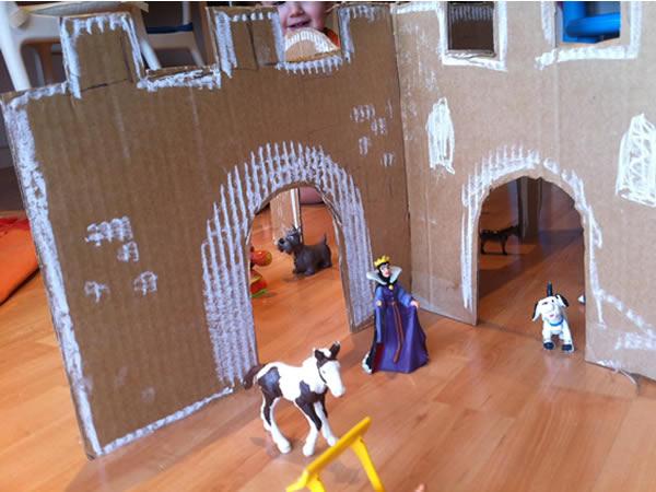 castillo de cartón, manualidades niños