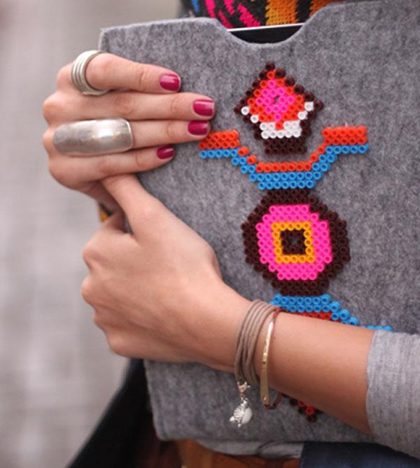 Carpeta decorada con beads