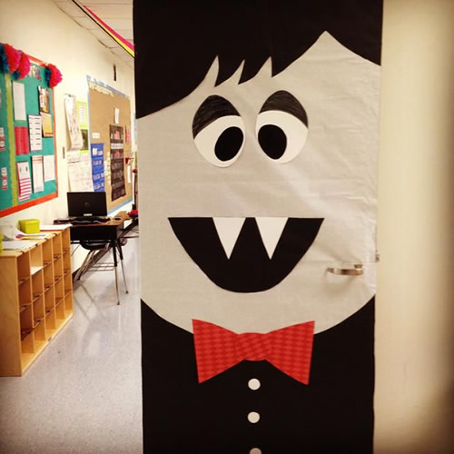 Ideas Decorar La Puerta Clase Halloween on exterior bulletin board display